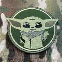 Патч Baby Yoda (олива)