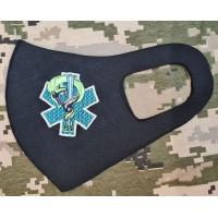 Маска з вишивкою Medic кольоровий знак
