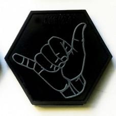 Резиновый шеврон Shaka (черно-серый)
