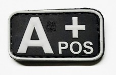 Нашивка группа крови A+ pos резина черная
