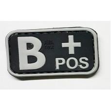 Нашивка группа крови B+ pos резина черная