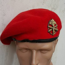 Берет червоний MIL-Tec 12403010 з беретным знаком артилеряя ЗСУ