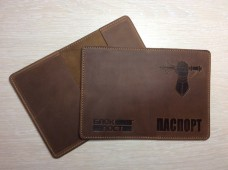 Обкладинка на Паспорт тиснення новий знак Танкових військ (коричнева)