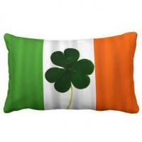 Декоративна подушка прапор Ірландії з листом конюшини
