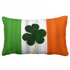 Подушка флаг Ирландии с листком клевера