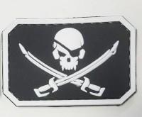 Резиновый шеврон Череп и сабли - PirateSkull PVC черно-белый