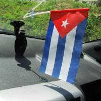 Прапорець в авто Куба