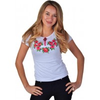 Женская футболка с вышивкой цветов