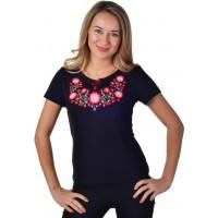 Женская футболка с вышивкой красных цветочков