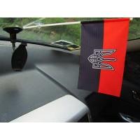 Червоно-чорний прапорець з тризубом в авто
