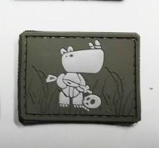 Нашивка Боевой носорог на липучке резина олива