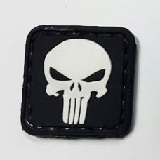 Резиновая нашивка с липучкой Punisher Patch черный белый 25мм