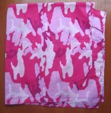 Бандана камуфлированная розовая
